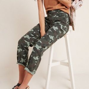 ANTHRO The Wanderer Camo Cargo Pants NWT in 25P